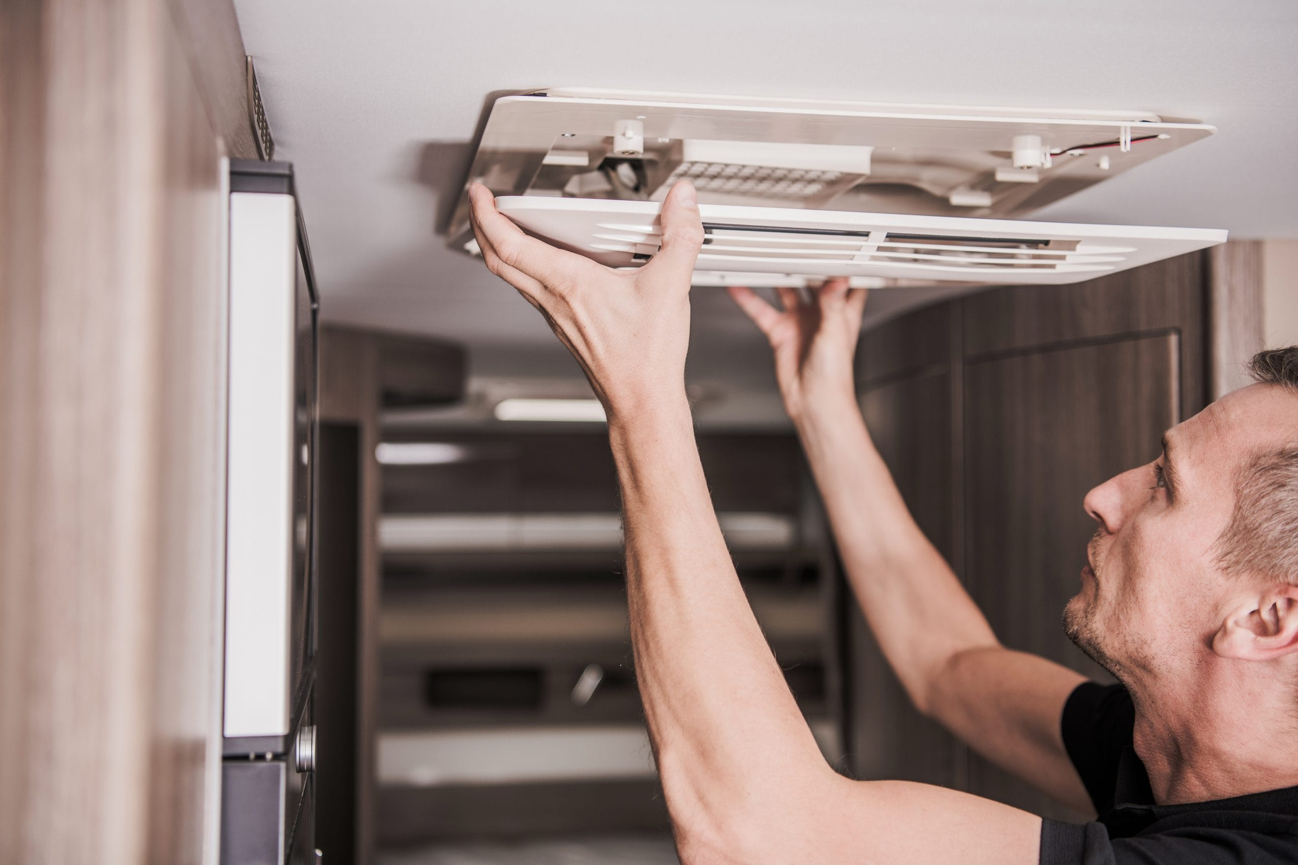 Read more about the article Put RV Air Conditioner Maintenance on Your Annual RV Maintenance Checklist